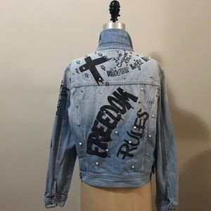 Forever 21 denim blue jeans jacket Studs Love